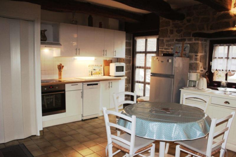 Ty Hélène coin cuisine séjour